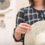 【女性必見】薄毛を効果的に隠せる小物の使い方三選