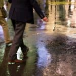 雨にぬれるとハゲるっていわれているけど本当?都市伝説ではないの?